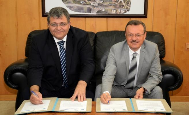 BUÜ'den Kıbrıs'a akademisyen desteği