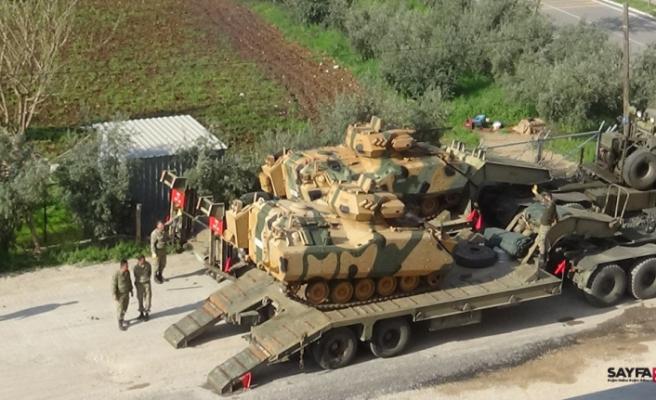 Suriye sınırına sevkıyat sürüyor