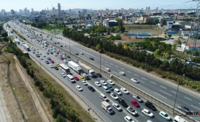 Bayram tatili başladı İstanbul trafiği durma noktasına geldi