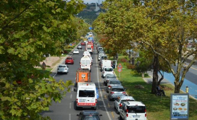 Gölcük depremi için 50 araçlık konvoy