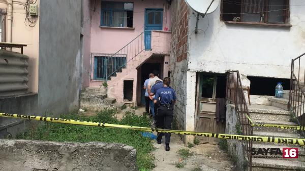 Komşularının 4 gündür görmediği emekli evinde ölü bulundu