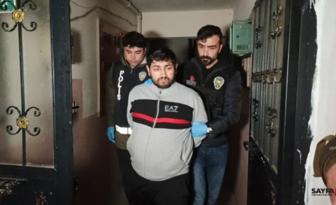 Bursa ve İstanbul'da şafak baskını