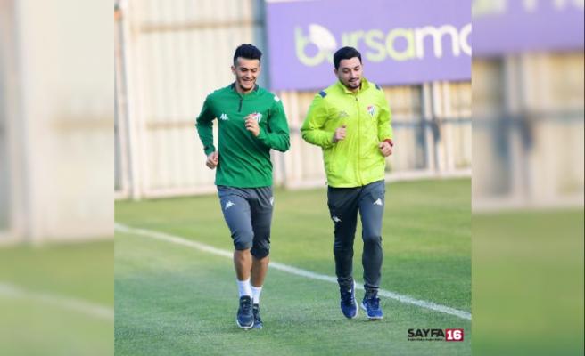 Bursaspor'un yeni transferi Tayfur Bingöl ilk antrenmanına çıktı