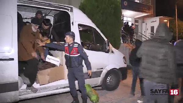 Yalova'da minibüsten 48 kaçak göçmen çıktı