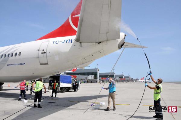 THY uçağı 19 Mayıs özel uçuşu için İstanbul'dan havalandı