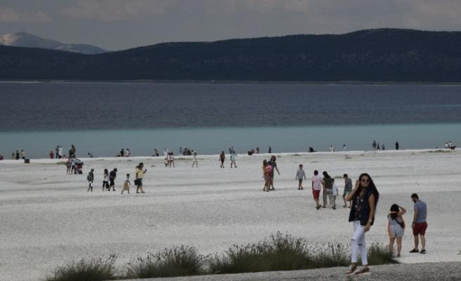 Salda Gölü'nün Beyaz Adalar bölgesine girilmeyecek