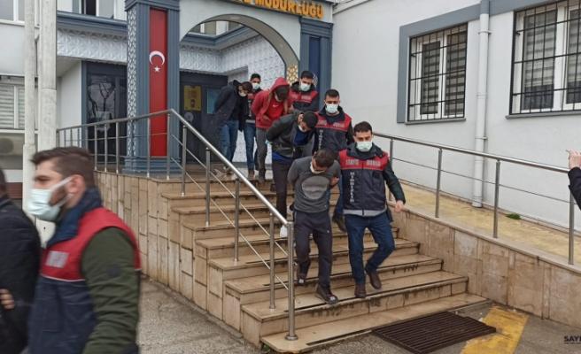 Bursa'da tır ve baz istasyon fareleri yakalandı