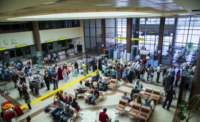 Bursa'da uçak seferleri ertelendi