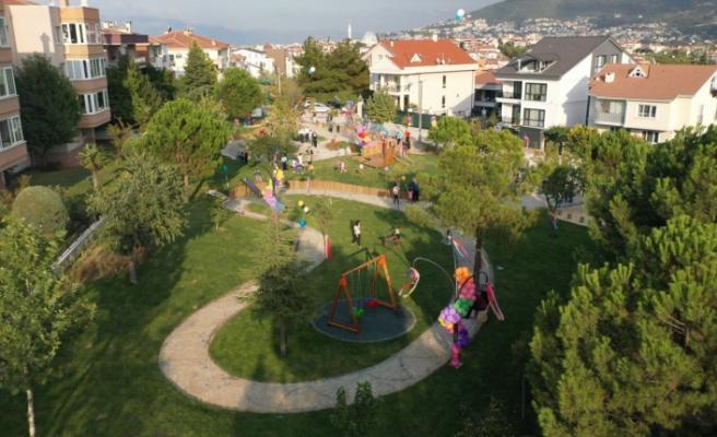 Çocukların tasarladığı parkı çocuklar açtı