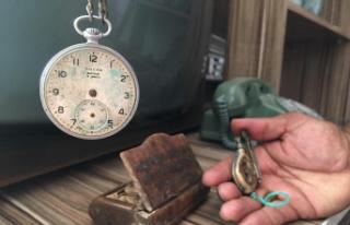 100 yıllık ata yadigarlarını topladı evi müze...