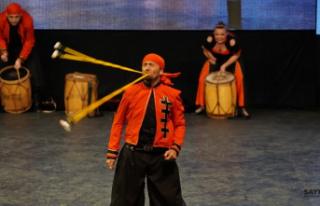 Altın Karagöz Halk Dansları Yarışması'nda...