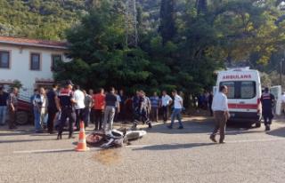 Bursa'da otomobil ile motosiklet çarpıştı: 2...