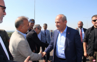 Ulaştırma ve Altyapı Bakanı Turhan, İzmir-İstanbul...