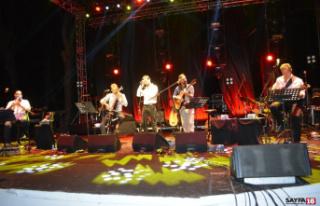 Ruboto ile Mehmet Erdem'den unutulmaz konser