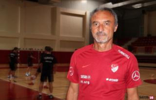 Futsal A Milli Takımı Yalova'da kampa girdi