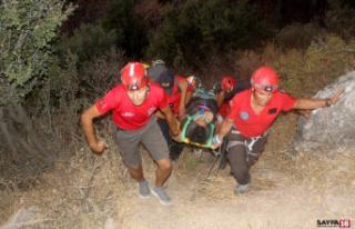 Kayalıklara düşen genç kız 12 saatte kurtarıldı