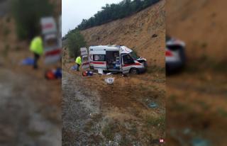 Yozgat'ta hasta bebeği taşıyan ambulans kaza...