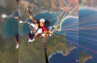 Genç paraşütçü memleketi Burdur'da toprağa...