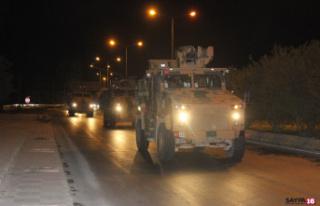 Askeri birlikler Suriye'deki üs bölgelerine hareket...