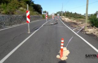 Antalya'da yolda heyelan nedeniyle çökme