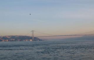 İstanbul Boğazı çift yönlü deniz trafiğine...