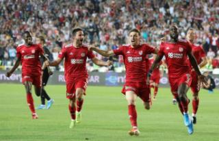Sivasspor uzatmalarda 6 gol attı