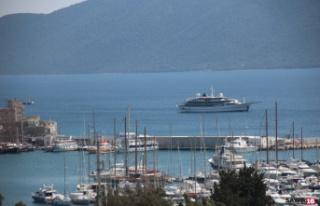Milyon dolarlık yatı Yunanistan kabul etmedi Bodrum...