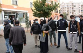 HDP önünde 'Kadına Yönelik Şiddete Karşı...