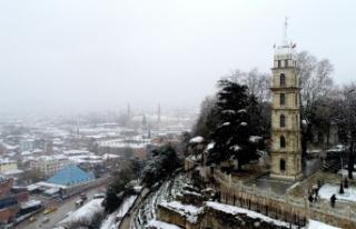 Bursa'da karla bulutların dansı drone ile görüntülendi