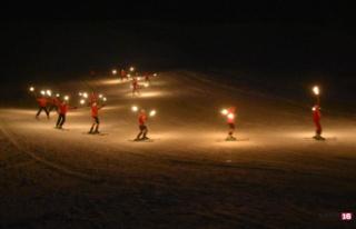 Eksi 20 derecedeki kayak gösterisi renkli anlara...