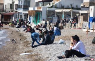 Güzel havayı gören vatandaşlar sahile koştu,...