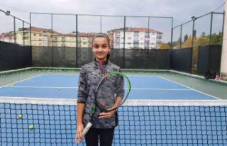 "Elif Nisa Akbaş: ""Hayalim Wimbledon'da oynamak"""
