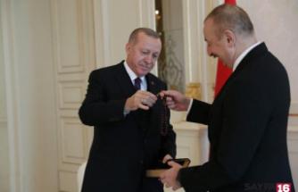 Cumhurbaşkanı Erdoğan Aliyev'e tespih hediye etti