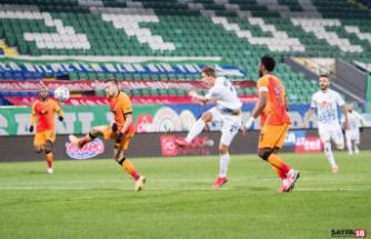 Süper Lig: Çaykur Rizespor: 0 - Galatasaray: 1 (İlk yarı)