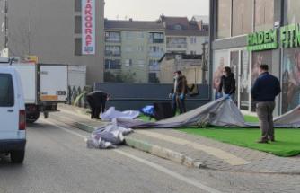 Genç kadın balkondan düşüp öldü