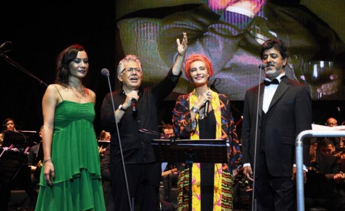 Zülfü Livaneli konserine ünlülerden yoğun ilgi.