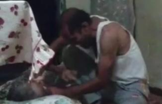 Türkiye'yi şok eden görüntüler: Yatalak anneye işkence