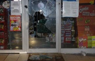 Bursa'da market hırsızlığı kamerada