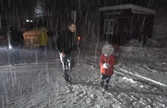 Uludağ'da özlenen günler: Kar yarım metreyi geçti