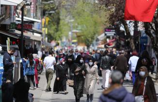 Bursa'da 3 günlük kısıtlama öncesi yoğunluk yaşanıyor