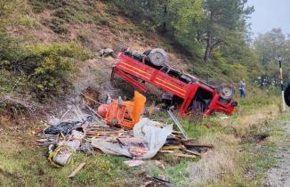 Bursa'da freni patlayan kamyonet uçuruma yuvarlandı