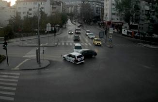 Bursa'da kural tanımayan sürücülerin neden olduğu kazalar kamerada