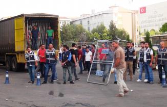 Diyarbakır Büyükşehir Belediyesine polis baskını