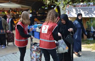 Kimse inanamadı...Bursa'da pazardan dönen yaşlılara büyük sürpriz