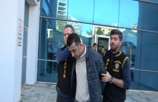 Bursa'da banka soyguncusu yakalandı: Soygun anı kamerada